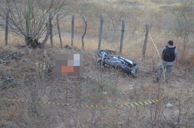 Jovem morre e outro fica ferido em acidente de moto em Cajazeiras
