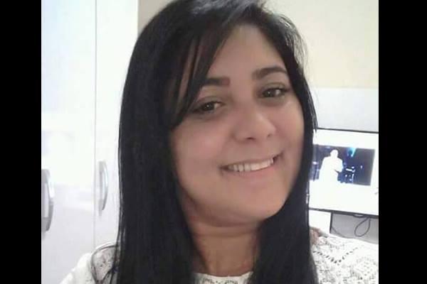 Fabiana dos Santos Costa