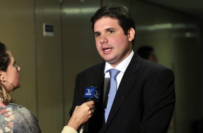 Hugo Motta apresenta emenda de bancada para custear tratamento contra o câncer
