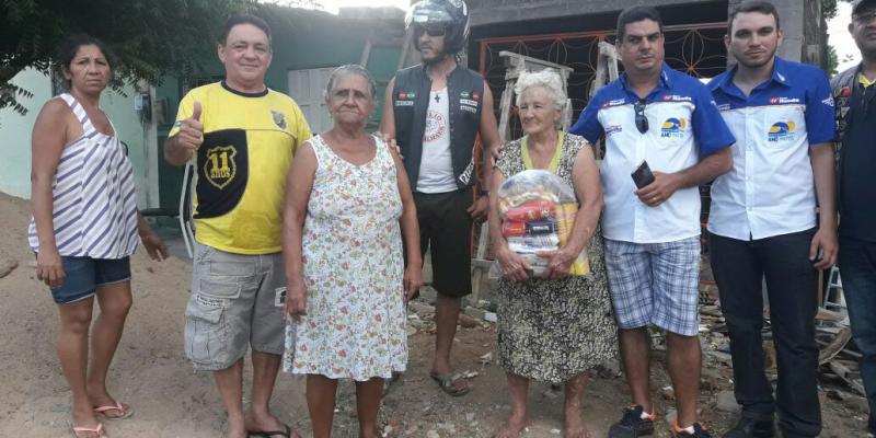Motociclistas se unem, arrecadam donativos e distribuem com famílias carentes de Patos