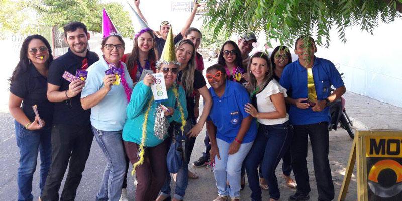 Unidades de Saúde Pedro Leandro Sobrinho, Monte Castelo e CTA realizam panfletagem alertando contra DST's e gravidez indesejada