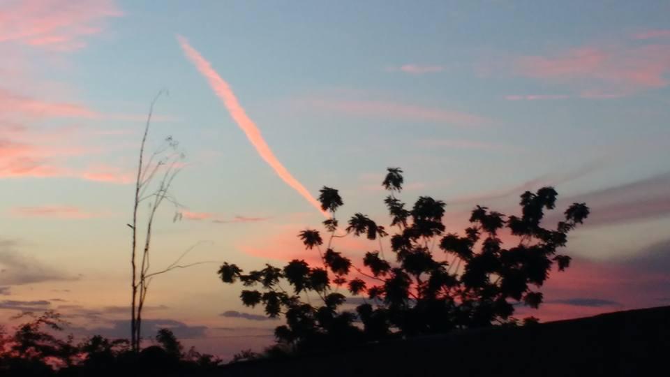 Militar diz que rastro de fumaça nos céus de Patos pode ter sido de um meteoro que se desintegrou ao atingir a atmosfera