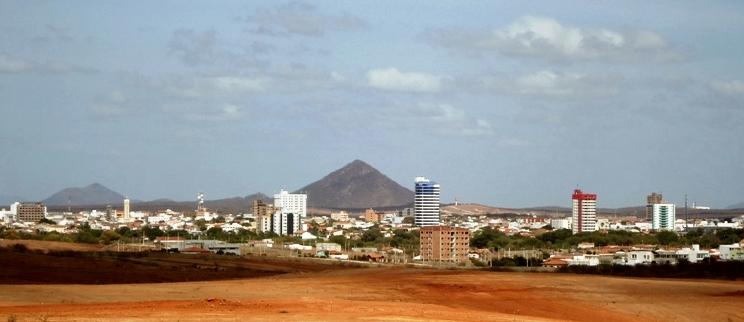 Prefeitura de Patos autoriza construção de torre de controle aéreo