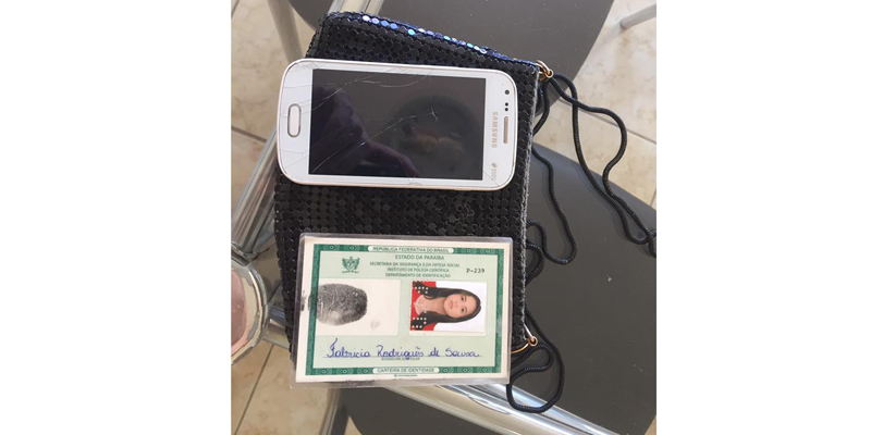 Cabeleireiro encontra carteira, celular e dinheiro em nome Fabrícia Rodriguês de Sousa