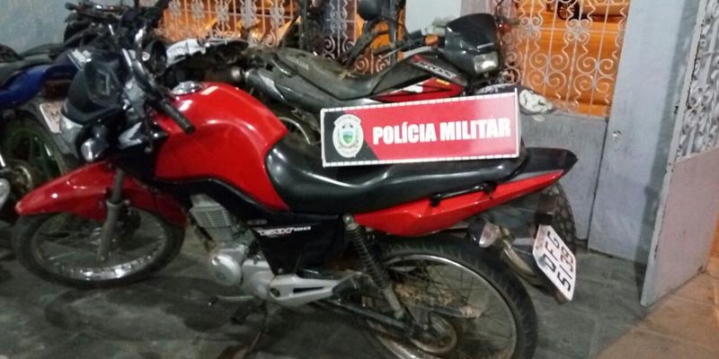 Mais uma motocicleta roubada é recuperada na cidade de Patos