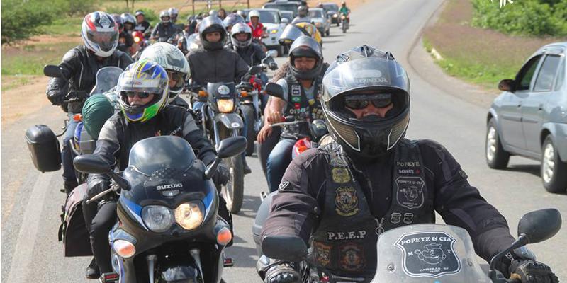 Itaporanguense viaja mais de 24 mil quilômetros de moto e é recebido com festa no Vale do Piancó