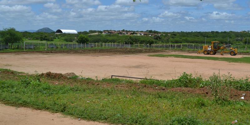 Prefeitura revitaliza campos de pelada em Patos