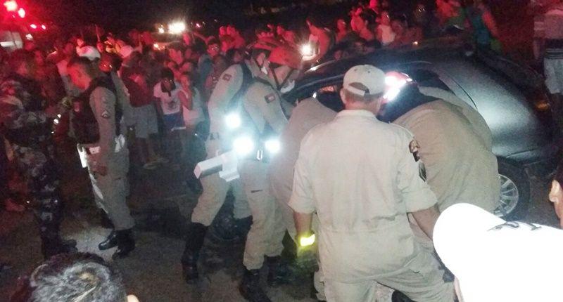 Colisão envolvendo dois veículos na BR-230, próximo à entrada que dá acesso a São José de Espinharas, deixa vários feridos