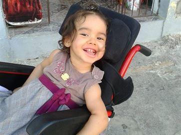 Pai faz greve de fome contra demora na entrega de remédios para filha, em Cajazeiras