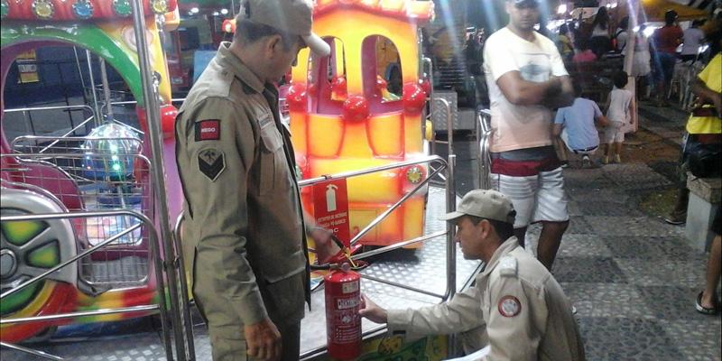 Bombeiros realizam fiscalização na Festa da Guia