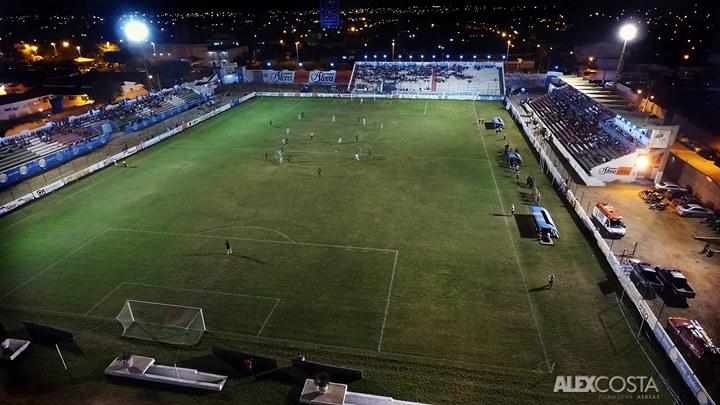 Hugo Motta destina R$ 1 milhão para modernização do Estádio José Cavalcanti