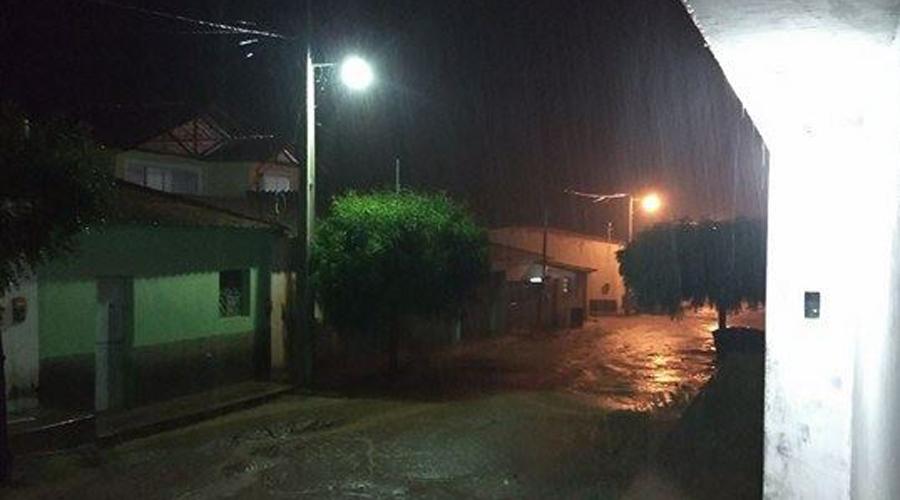 33 milímetros de chuva em Matureia na noite deste domingo
