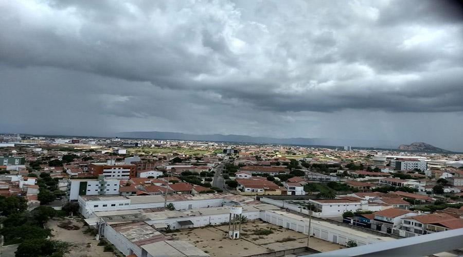 Previsão para hoje é de chuvas em Patos e região