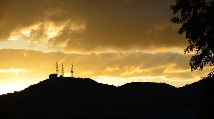A beleza do fim de tarde no Pico do Jabre