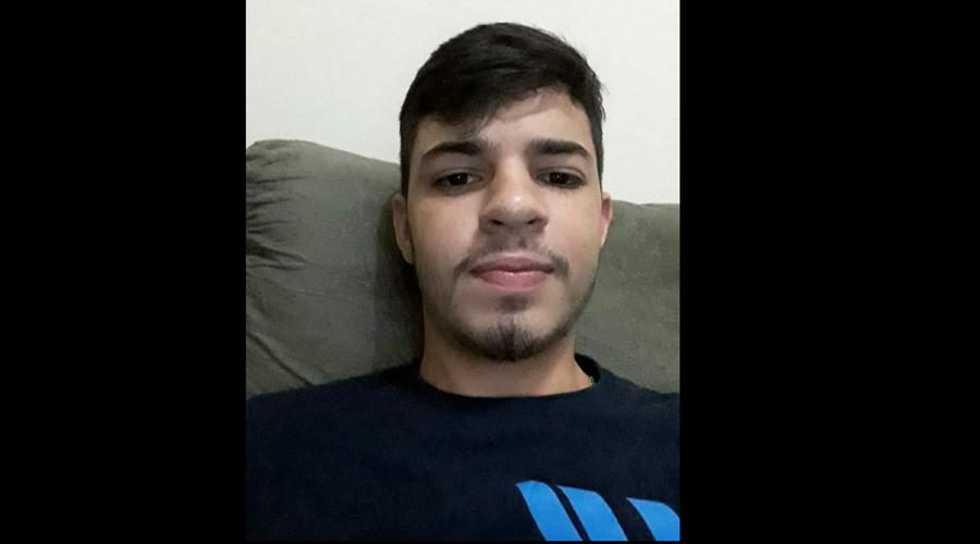 Estudante do Vera Cruz, em Patos, de 17 anos, morre em acidente de carro na noite de ontem