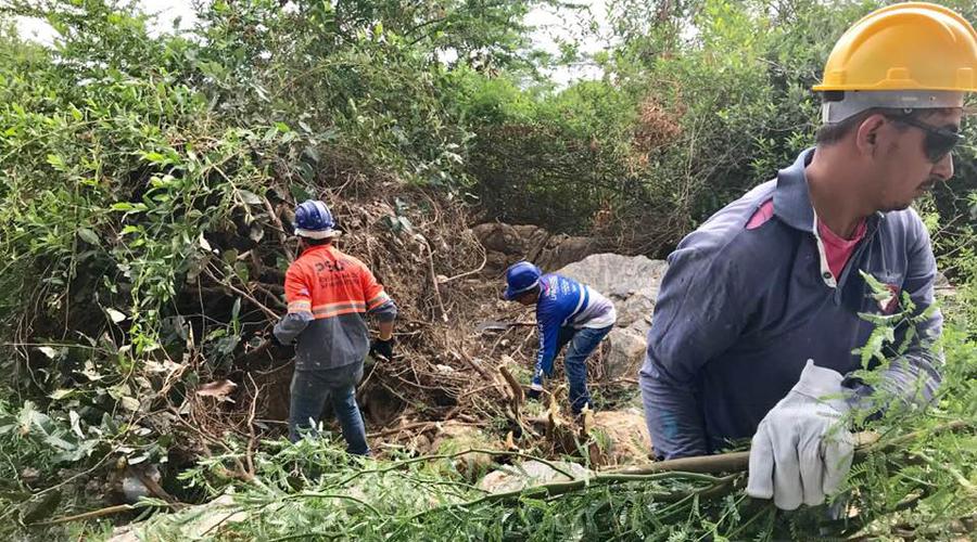 Iniciado hoje o trabalho de desassoreamento do Rio Espinharas, em Patos