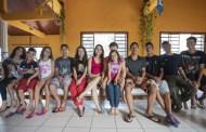 A história de uma família de Brasília que adotou 6 irmãos de uma só vez e agora tem 22 filhos