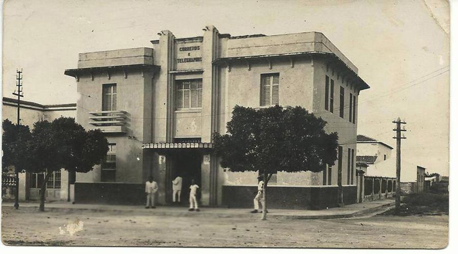 Registro: prédio dos Correios de Patos na década de 50
