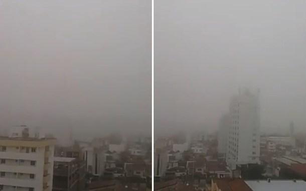 Patos amanheceu coberta pela neblina. Vídeo