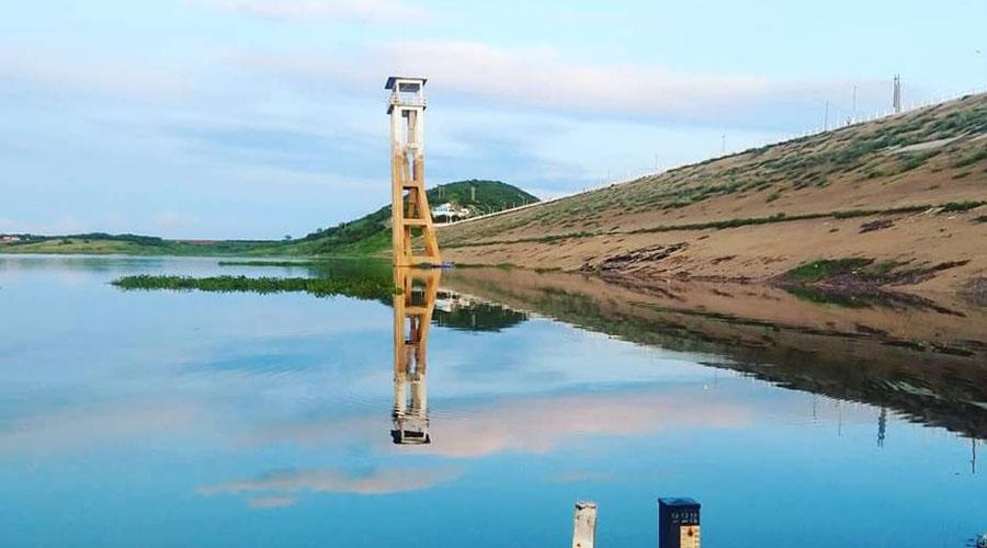 Açude de Coremas pega 17 centímetros d'água de ontem para hoje