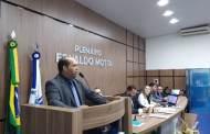 Câmara de Patos empossa suplente Jardelson Medeiros como novo vereador