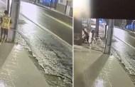 Câmeras flagram três jovens agredindo homem com problemas mentais em Condado