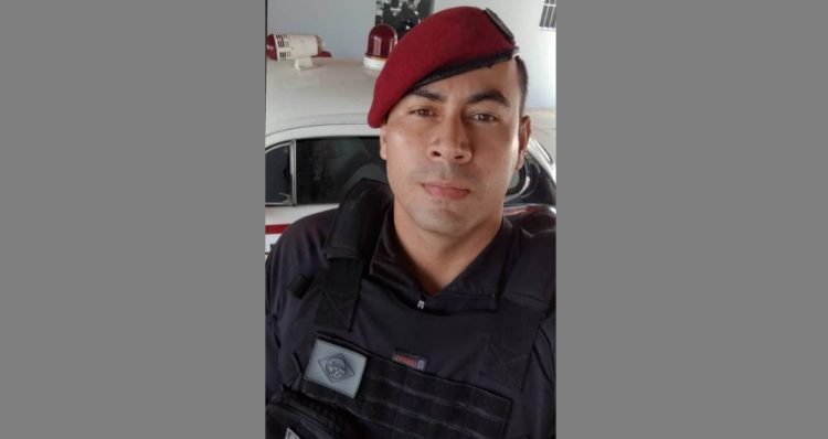 De folga e sozinho, policial prende homem que esfaqueou outro em Cajazeiras