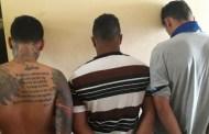 Polícias prendem três suspeitos de assalto a residência em Patos. Veja imagens