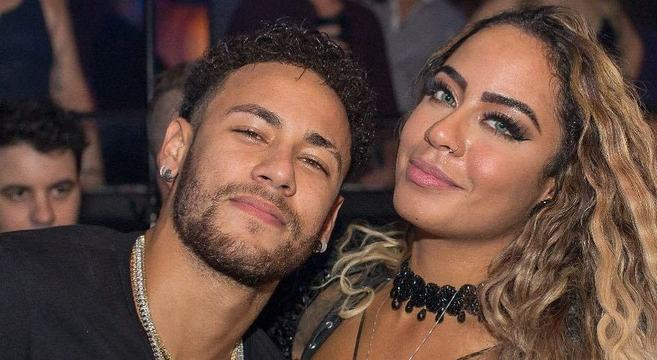 Lesionado Ou Suspenso Neymar Não Perde Aniversário Da Irmã