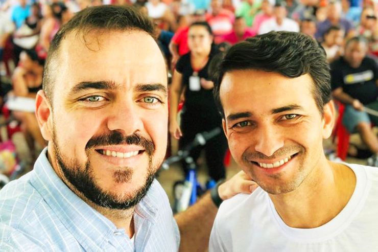 Prefeito Gustavo Mendanha e seu secretário de Desenvolvimento Urbano, Max Menezes   Foto: Arquivo Pessoal