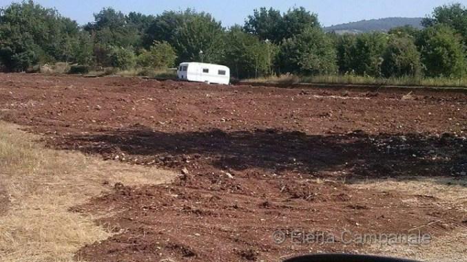Campo nomadi, protesta piazza umbra
