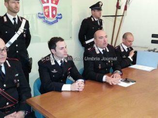 Carabiniere libero dal servizio fa arrestare rapinatori