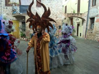 Carnevale dei ragazzi al centro giovani di Sant'Eraclio laboratori per le maschere