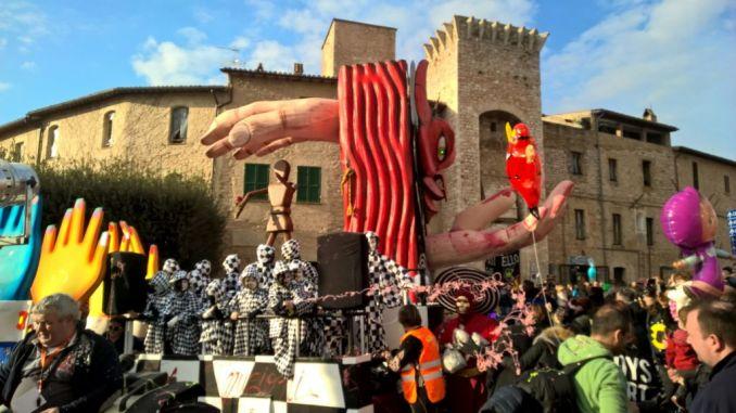 Un' altra parata da record per il carnevale dei ragazzi di Sant'Eraclio di Foligno