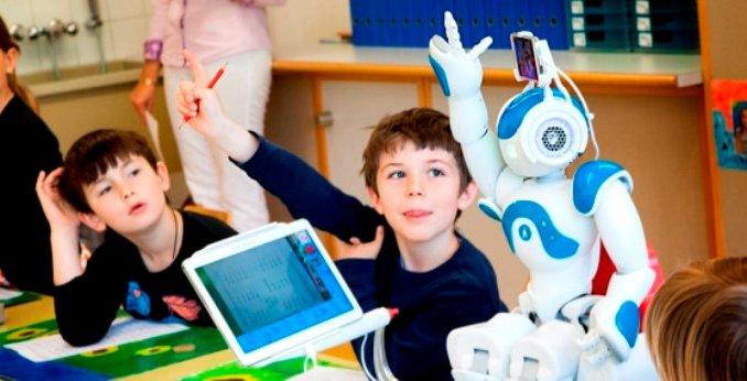 Robot a Foligno, realtà aumentata e digitalstorytelling ecco la scuola del futuro