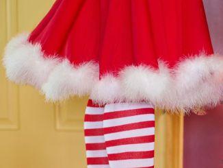"""Bambini recitano filastrocca """"Il mago di Natale"""" al sindaco"""