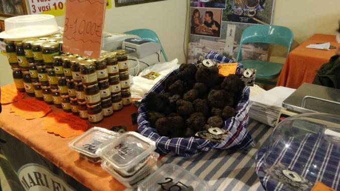 Valtopina inaugurata mostra mercato con il tartufo protagonista