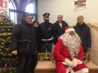 Babbo Natale a bordo di una locomotiva a vapore, domenica a Foligno