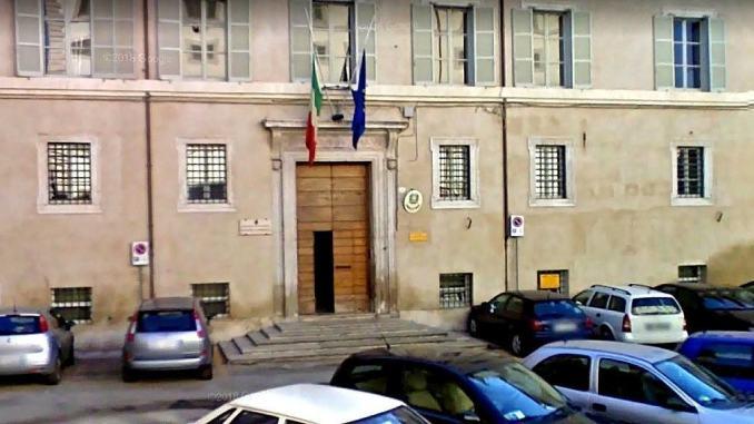 100mila euro più iva non dichiarati da centro estetico illegale a Foligno