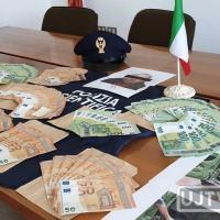 Polizia di Foligno arresta meccanico, viaggiava con 50 mila euro falsi 🔴📸 FOTO E VIDEO