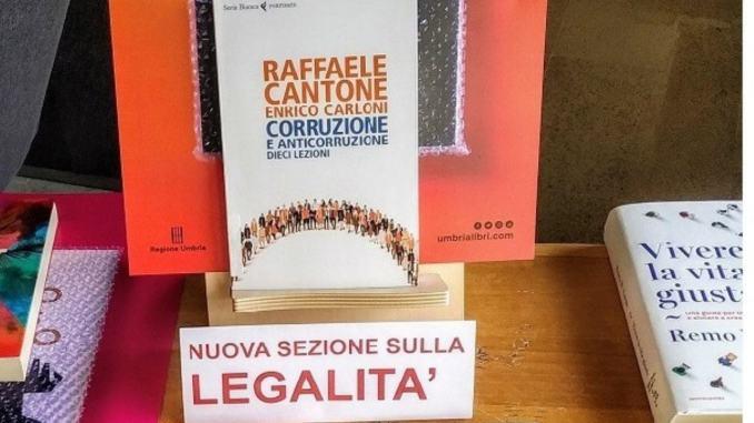Libri dedicati ai temi della legalità, c'era capo procura, Raffaele Cantone