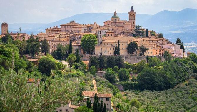 Dentalpro punta ancora sull'Umbria e sbarca a Trevi