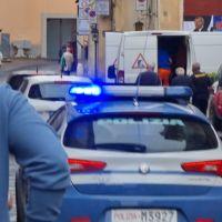 Evade dagli arresti domiciliari e infastidisce le persone, succede a Foligno