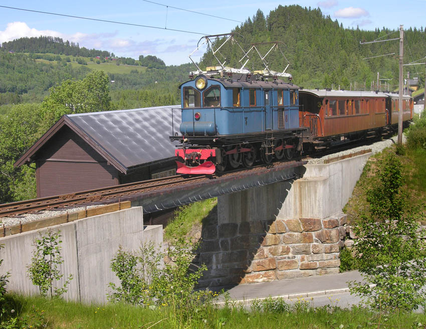 The 1919 ASEA engine running on the Thamshavnbanen