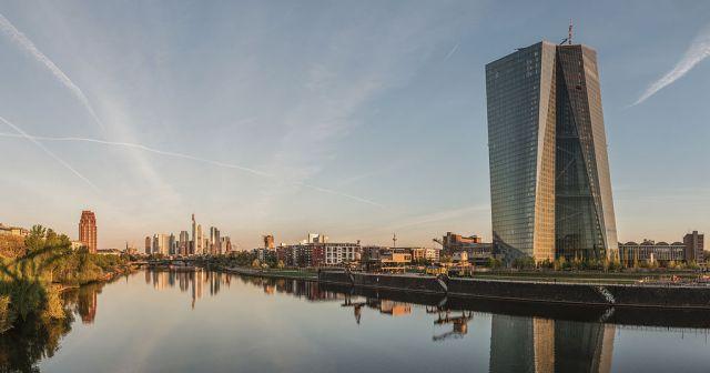 Den Europæiske Centralbanks hovedsæde i Frankfurt am Main. (Foto: DXR / Wikimedia Commons)