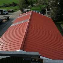 Plaatsen sandwich geïsoleerde dakpanelen - Klusbedrijf Friesland