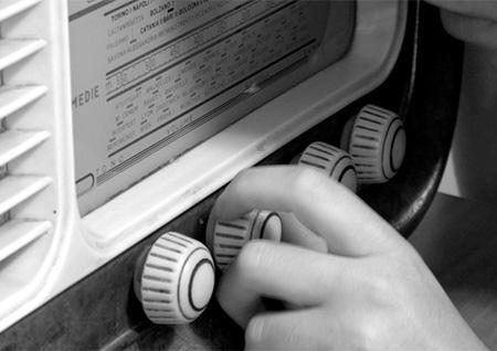 abbassa la tua radio - teatro goldoni