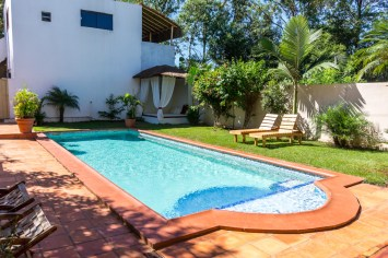 Airbnb Haus mit pool in Paraguay