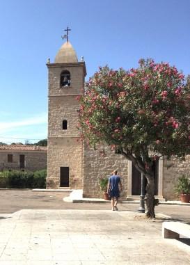 Arzachena Hauptplatz Kirche Sardinien