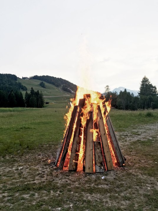 Sonnwendfeuer-Seefeld-Tirol